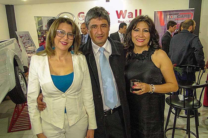 Fabiola Medina, Jorge Salazar y Julissa Salazar.