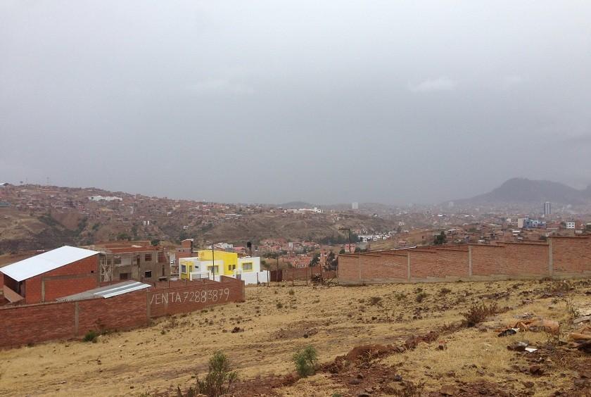 La lluvia cayó temprano en Sucre. Foto: Álvaro Sotomayor/CORREO DEL SUR
