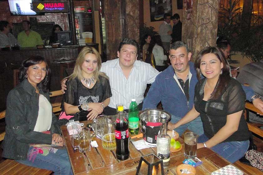"""Verónica Moscoso, Yenny Brito, Roberto Cuellar, """"Chojuan"""" y Eliana Morón."""
