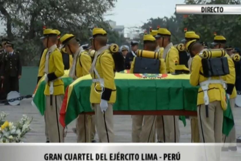El canal estatal transmitió esta mañana los actos que se cumplieron en Lima. Foto: ABI