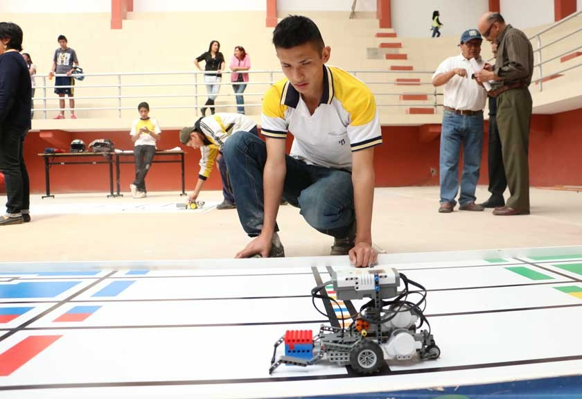 Olimpiada apuntala talento en robótica