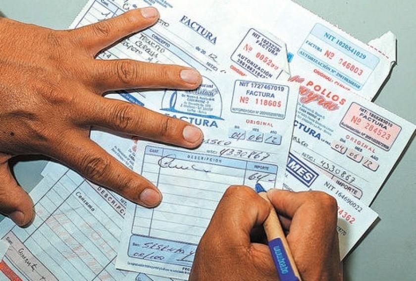 Más trabajadores tendrán que entregar facturas con el nuevo Decreto Supremo. FOTO: Internet