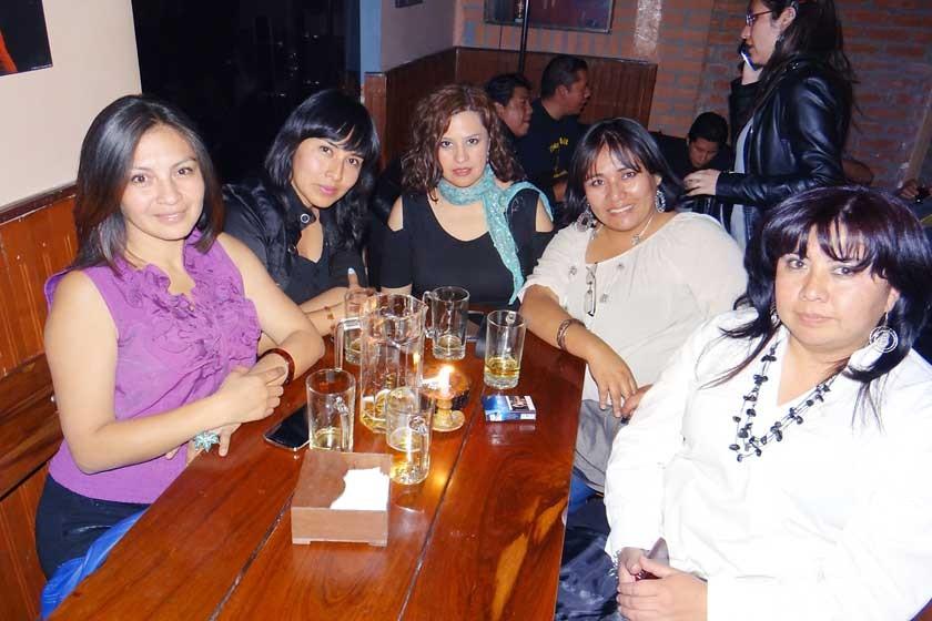 Marianela Pasquier, Leticia Saavedra, Jenny Campero, Nilda Alarcón y María del Carmen Aliaga.