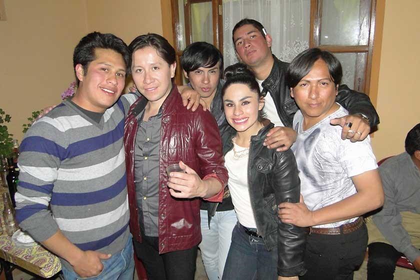 Ricardo Serrudo, Dennis Zamorano, Francis Mejia, Karen Nava, André Frías y Mirko Zubieta.