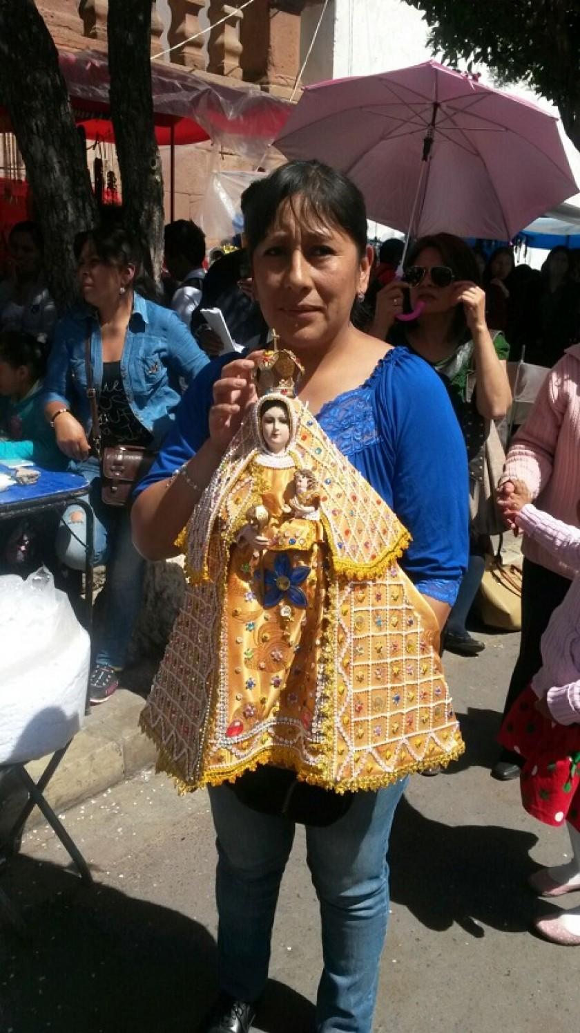 Imágenes de la Virgen de Guadalupe son bendecidas en esta fecha. Foto: Dayana Martínez