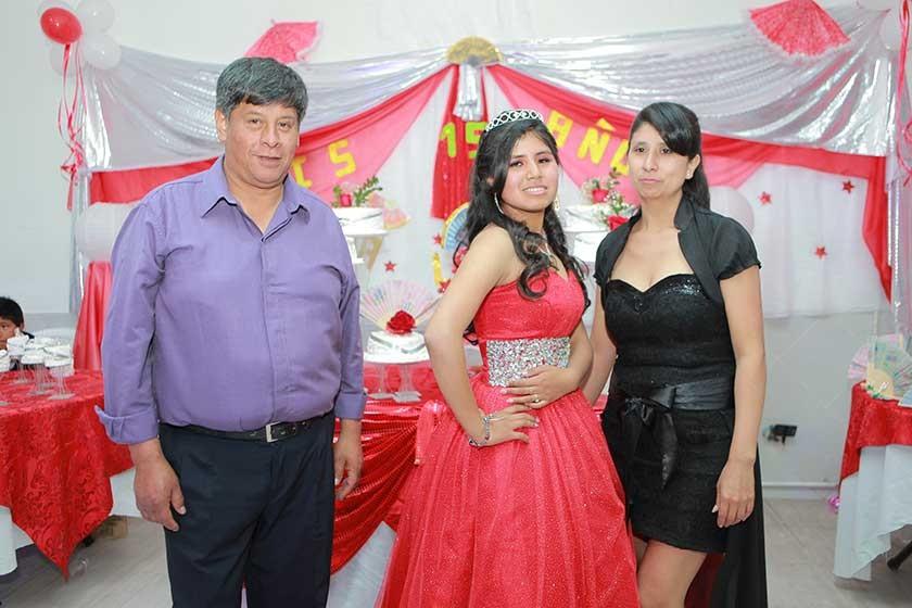 Antonio Peralta (tío) Alexandra Jallaza y su madre Miram Jallaza.