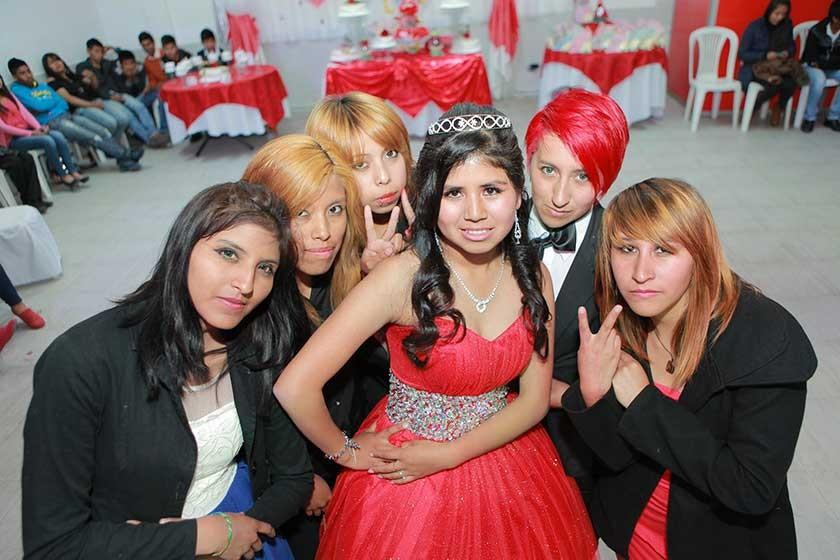 Alexandra Jallaza junto a la Big Bang Girls.