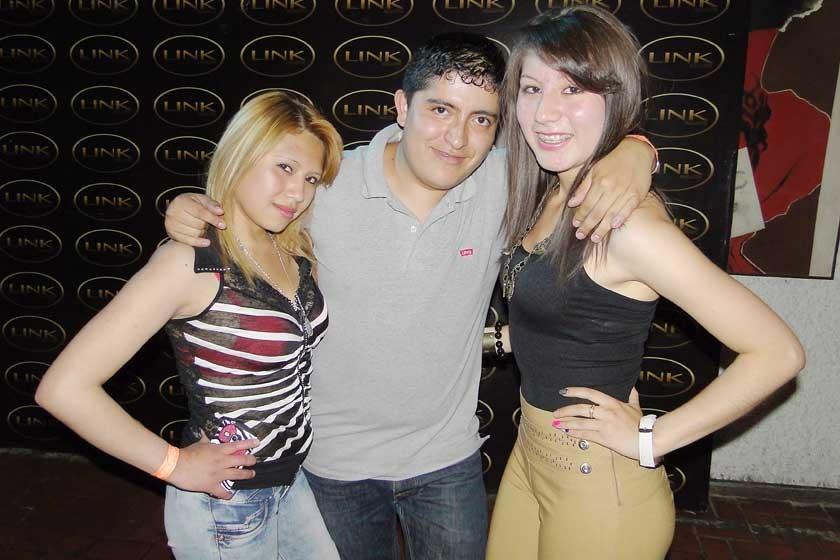 Jennifer Villacorta, Rodrigo Condori y Angélica Medrano.