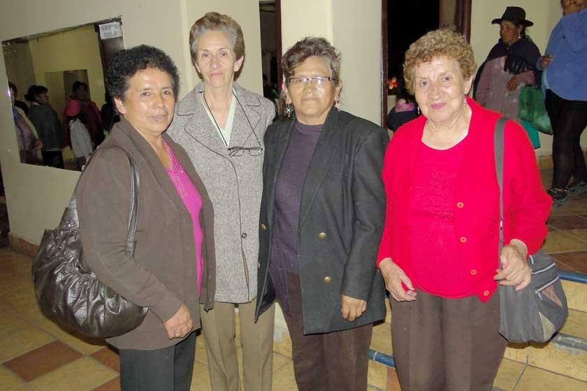 Candelaria Villalta, Ivonne de Melgarejo, Emilia Rodoy y Ayde Andrade.