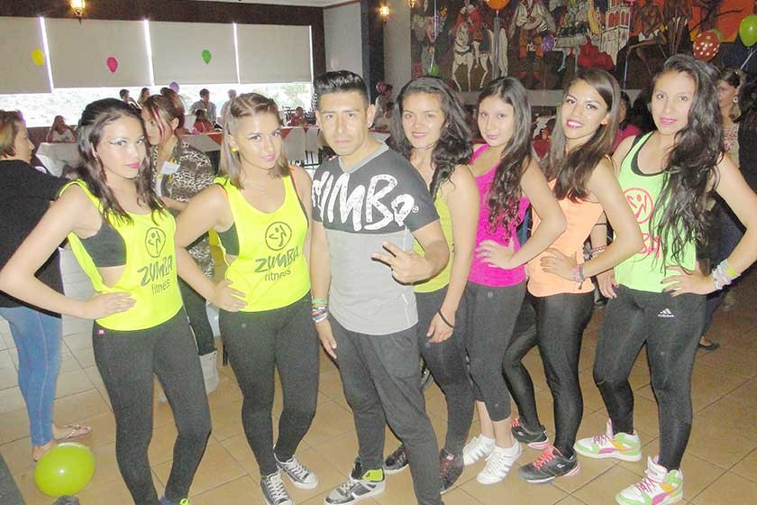 Z Fama Studios: Laura, Ana, Erick, Ester, Viviana, Camila, Natalia.