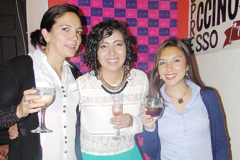 Paola Mendoza, Adeline Valdivia y Karen López.