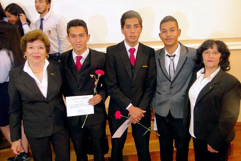 Ana María de Zamora, Sergio Carrasco, Alberto Cava, Alejandro Valda y Natty Torricos.