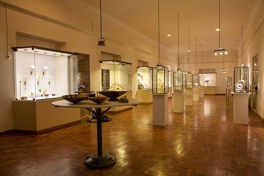 La Sala del Oro y las piedras preciosas que, entre otras maravillas, tiene vitrinas donde se puede apreciar las ...