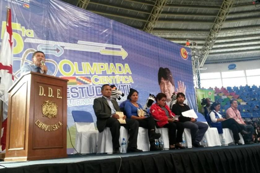 La Quinta Olimpiada Científica se inaiguró en el coliseo JRA de Sucre. Foto: Dayana Martínez