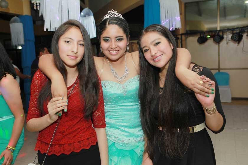 Isabel Olivares, Milenka Ballesteros y Valeria Flores.