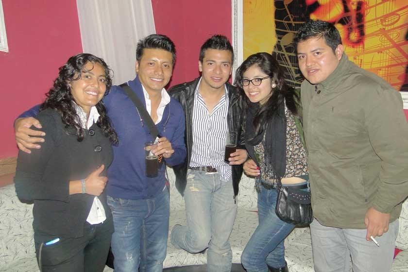 Ángela Valda, Abraham Andrade, Cristian Claure, Paola Saavedra y Bryan Montecinos.