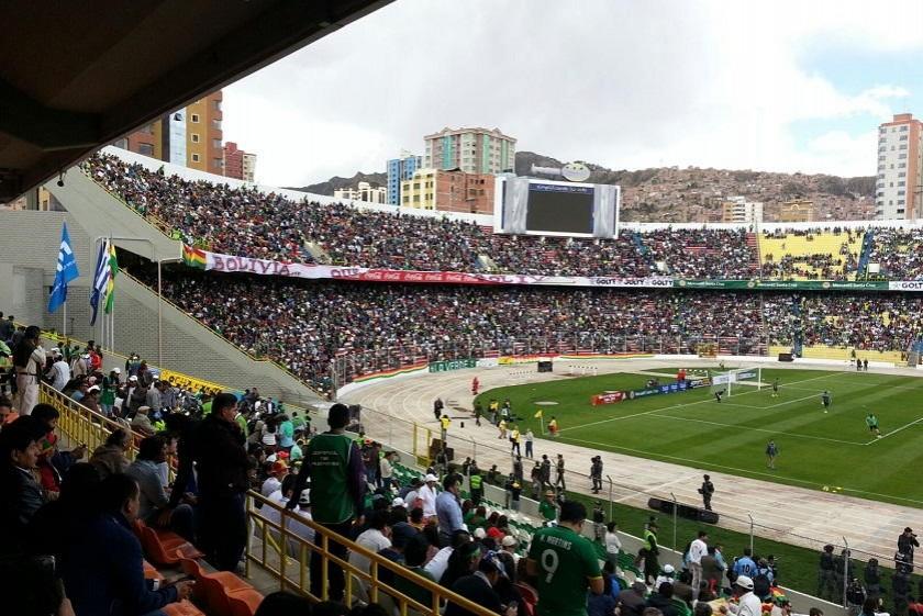 Bolivia recibe a Uruguay en el Hernando Siles. Foto: Javier Bascopé