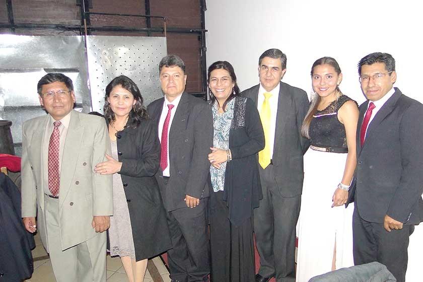 Willy Ruíz, Norma Villanueva, René Iglesias, Ivonne Ramírez, Rodolfo Zegarra, Carmiña Mendivil y Javier Flores.