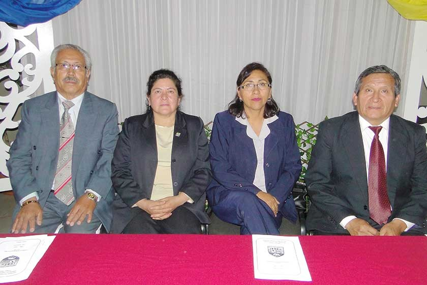 Humberto Arancibia, Lesli Crespo, Ester Achá y Gualberto Torrez.