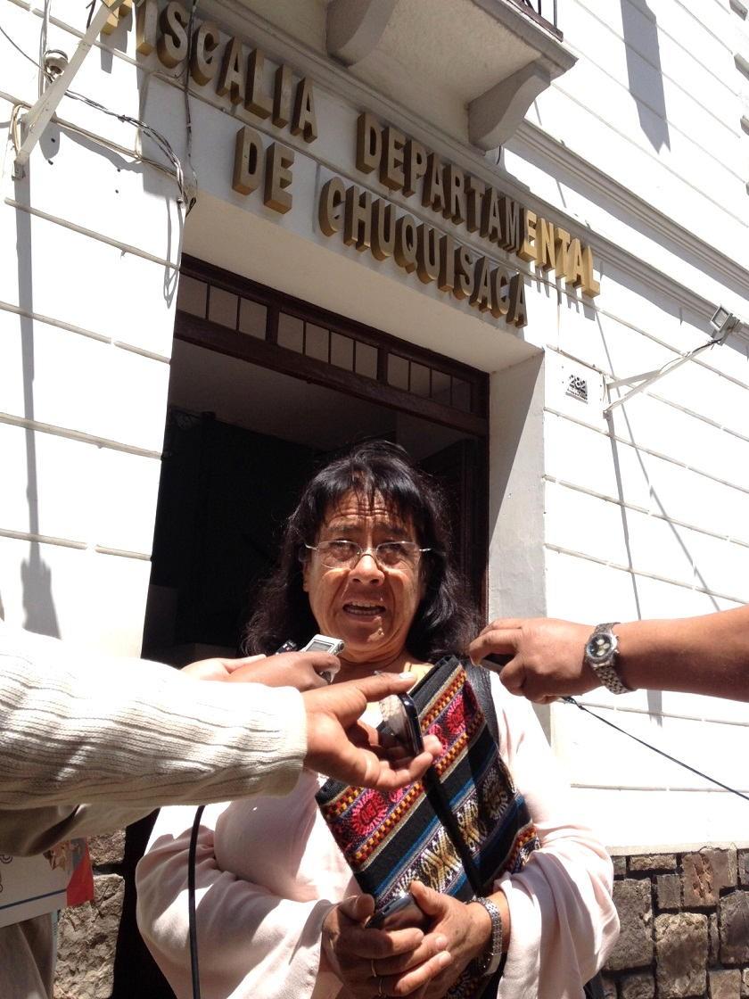 Zenaida Navarro luego de ofrecer declaraciones en la Fiscalía de Distrito. Foto: Richard Mamani