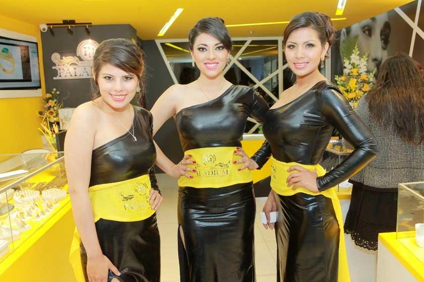 Alejandra Vásquez, Paola Flores y Florencia Méndez.