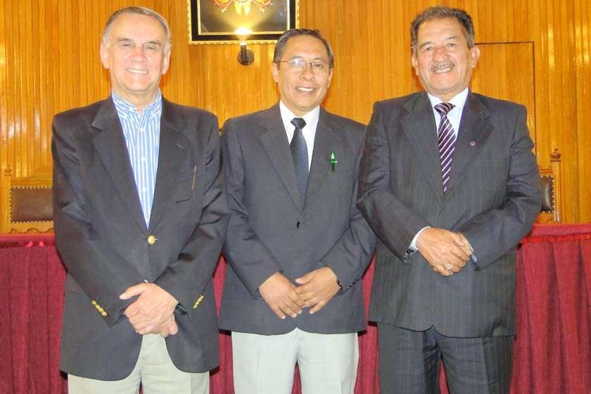 Rolando Achá, Johnny Mesa y Virgilio Murillo.
