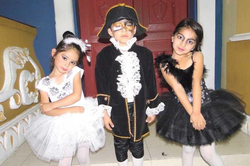 Valentina Peñaloza, Ricardo Sauma y Laura Mendoza.