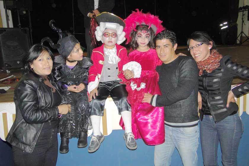 Guadalupe Oro, Milagros Coronado, Said Zárate, Zoe Meza, Osman Meza y Paola Murillo.