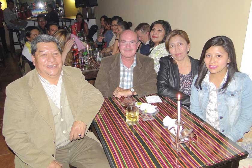 Roberto Espada, David Palacios, Arminda Romay  y Mónica Velarde.