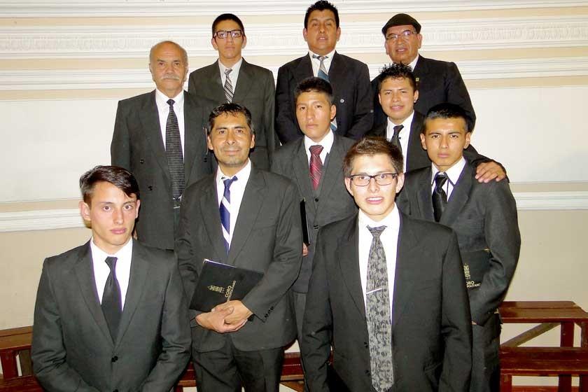 Grupo varones, Tenores y Bajos del Coro Metropolitano.