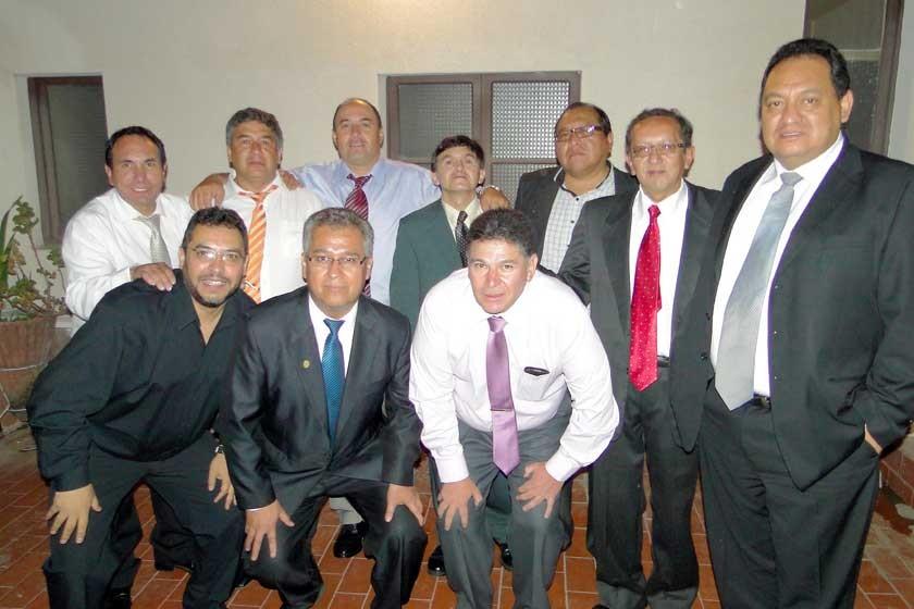 Organizadores de la reunión de 32 años.