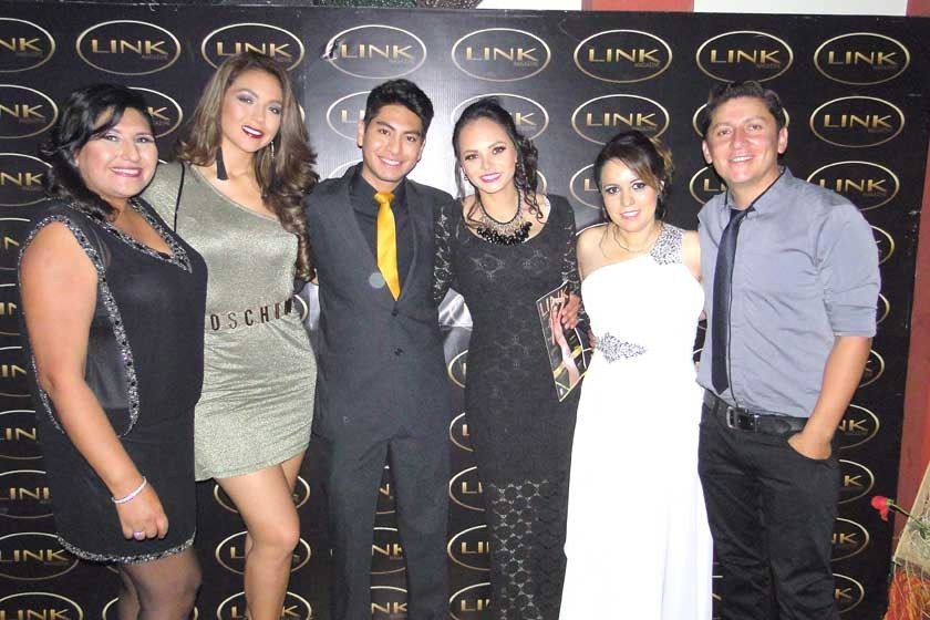 Marizta Blanco, Adriana Delgadillo, Daniel Candia, Vanesa Stumvoll, Judith Barrero y Marco Pardo.