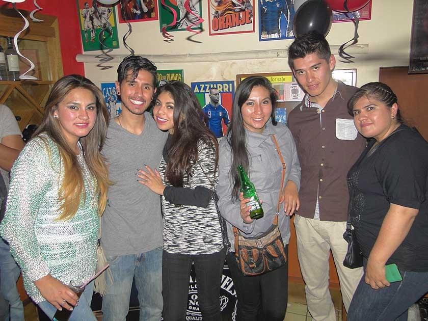 Katy Paz, Mauricio Carvajal, Andrea Czermak, Gabriela Orellana, Cristian Montesinos y Melisa Aguilar.
