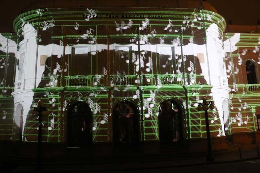 El mapping le da vida al teatro Gran Mariscal
