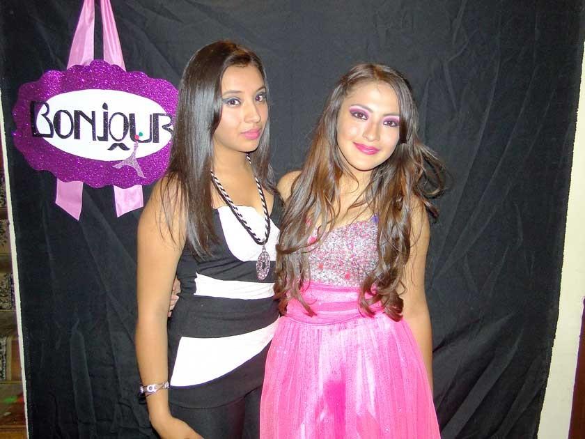 Paola Zamora y Allison Nogales.
