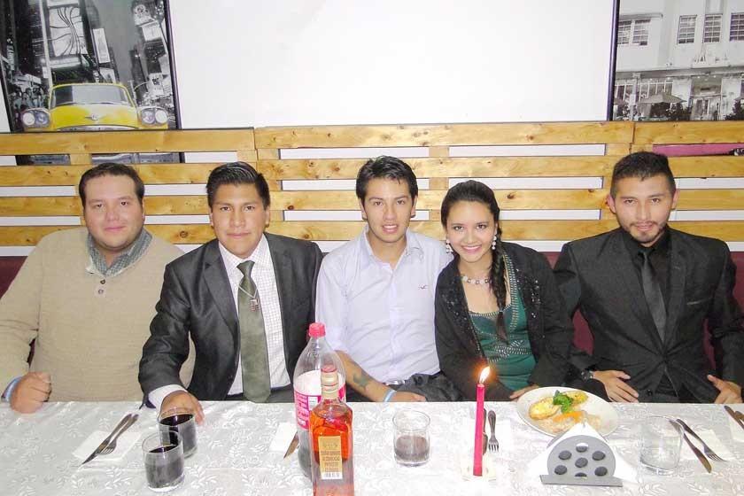 Enrique Guerra, Edson Oros, Alex Soliz, Ana Rivera y José Pastrana.