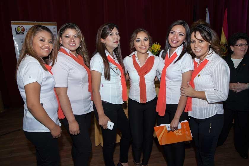 Iromy Flores, Amilka Añéz, Daniela Morales, Andrea Rojas, Alejandra García y Judith Barrero.