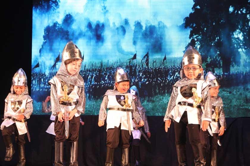 Los soldados en batalla.