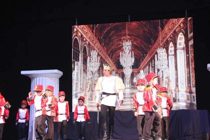 Juan José Arce (Rey) y los soldados del reino.