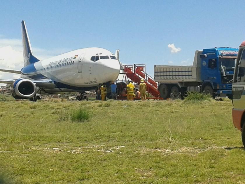 El avión derrapado en Sucre. FOTO: CORREO DEL SUR