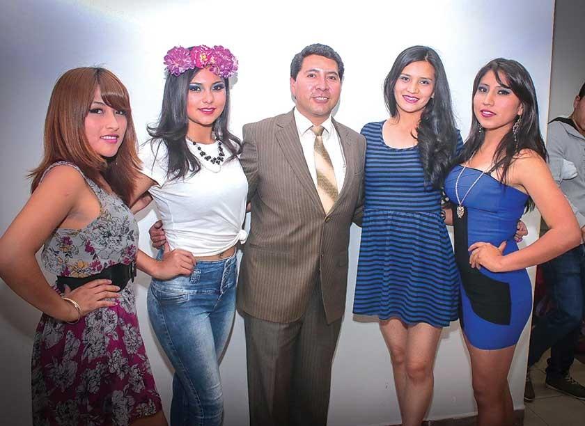 Jhoselin Fernandez, Elena Romero, Miguel Daza, Marelene Nina y Claudia Rojas.