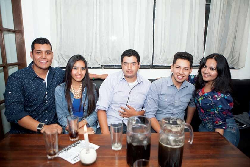 Andrés Medina, Alejandra Espinoza, Wilber Vidales, Freddy Romero y Vale Zárate.