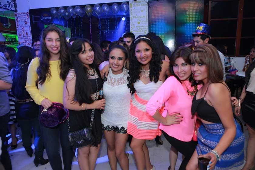 Maruja, Karen, Stephanie, Natalia, Narda y Alejandra.
