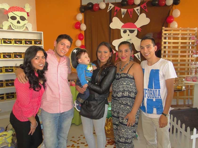 Undaly Aparicio, Jaime Barrón, Dayana Vega, Karen Patzy y Sergio Balderas.