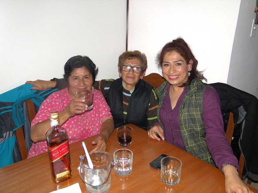 María Ester Villarroel, Lila de Villarroel y Livia Villarroel.