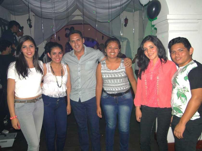 Andrea, Raíza, Gonzalo, Aldana, Allison y Sebastián.