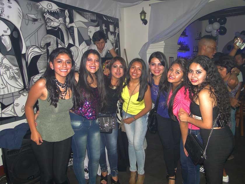 Paola, Adriana, Pao , Angi, Natalia, Alejandra y Joselyn