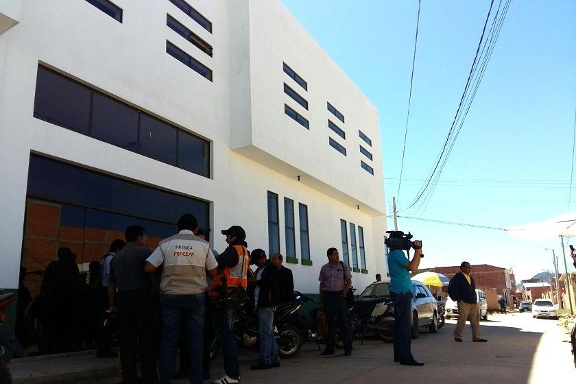 La audiencia se traslada a la FELCC de Sucre. Foto: Henry Aira