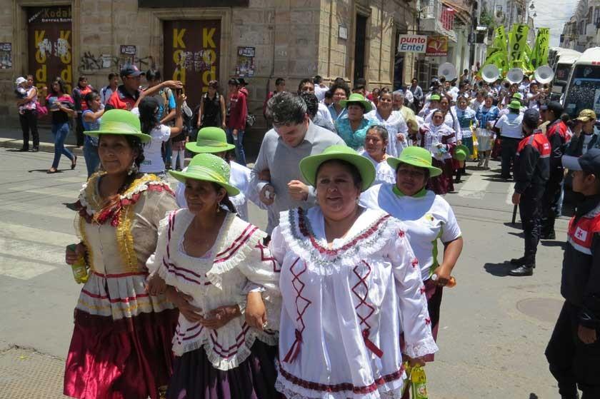 El país le pone intensidad al festejo de Carnaval