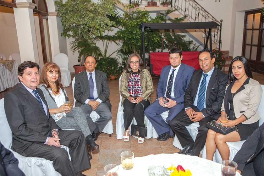 Javier Ardúz, María Eugenia López, Gonzalo Virreira, Cinthia de Valda, Gregorio Valda,  Juan Carlos Encinas y Silvia P.